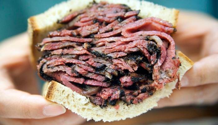 the famous new york pastrami sandwich