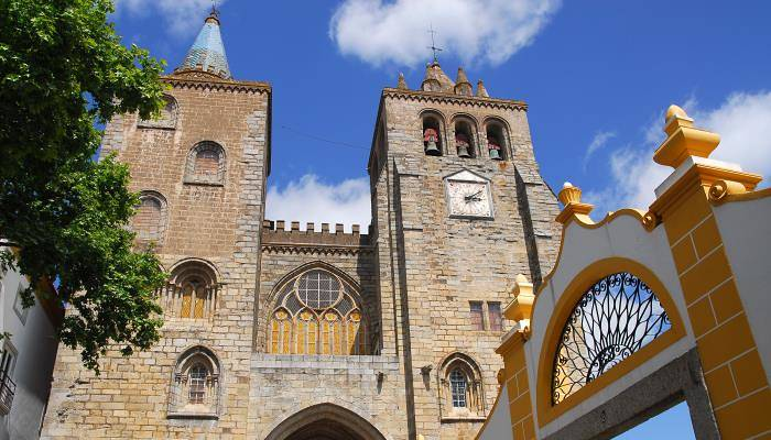 picture of Evora's Cathedral
