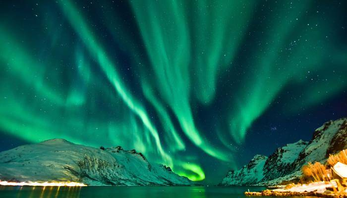 picture of northern lights in tromso