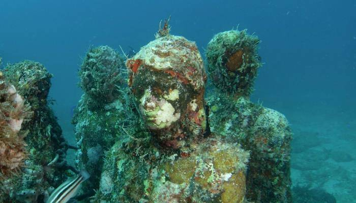 picture of Cancun's underwater museum