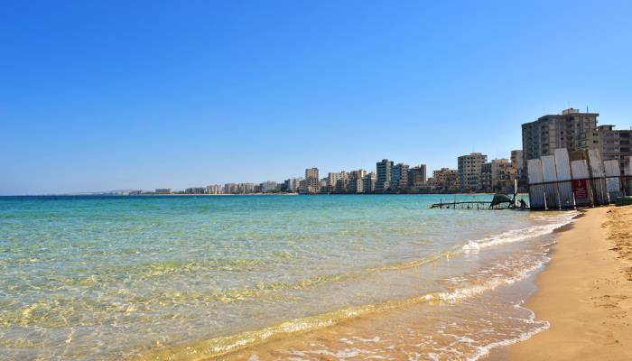 picture of the deserted beach town of Varosha