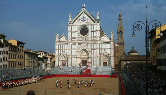 picture of the festival taking place in Florence