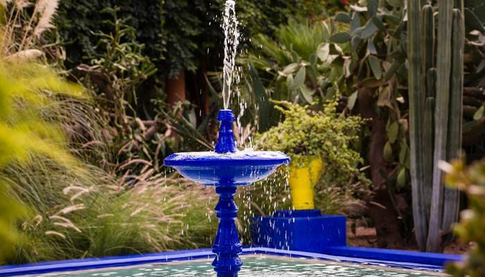 picture of a fountain in the majorelle gardens