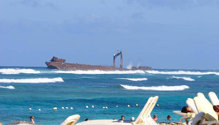 picture of ther astron shipwreck