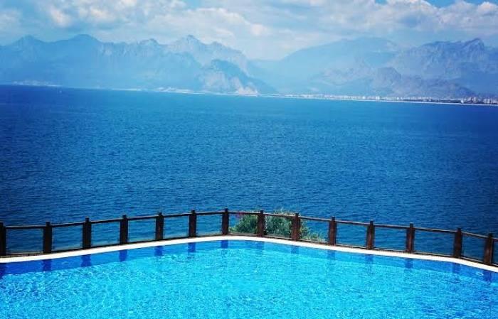 Pool Turkey